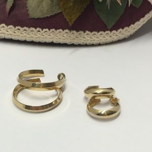 2 Pairs of Vintage Gold tone Hoop earrings